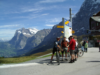 Kliene Schiedegg Walking, cycling in the mountains, take your bikes up or walk on to Grindelwald.